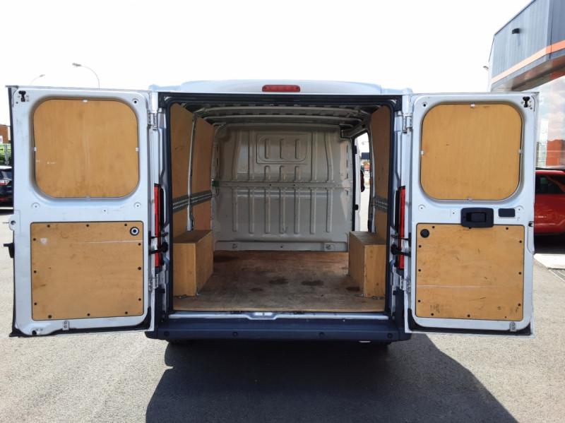 Photo 33 de l'offre de CITROEN JUMPER L1H1 BLUEHDi 130 BVM6 BUSINESS à 17500€ chez Centrale auto marché Périgueux