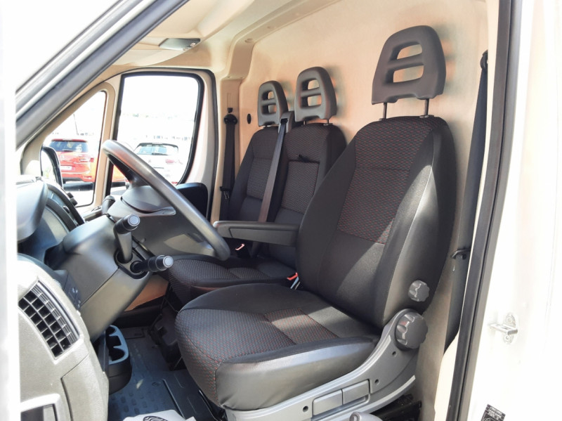 Photo 11 de l'offre de CITROEN JUMPER L1H1 BLUEHDi 130 BVM6 BUSINESS à 17500€ chez Centrale auto marché Périgueux