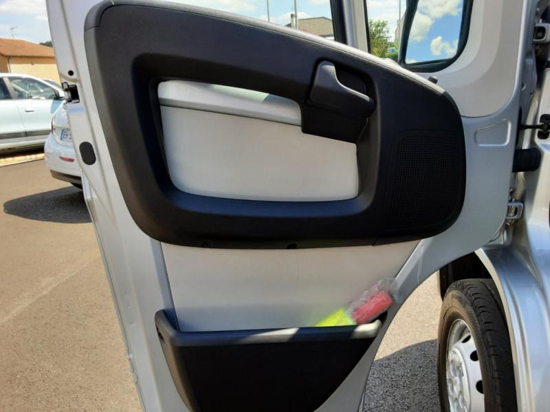 Photo 45 de l'offre de CITROEN JUMPER L1H1 BLUEHDi 130 BVM6 BUSINESS à 17500€ chez Centrale auto marché Périgueux