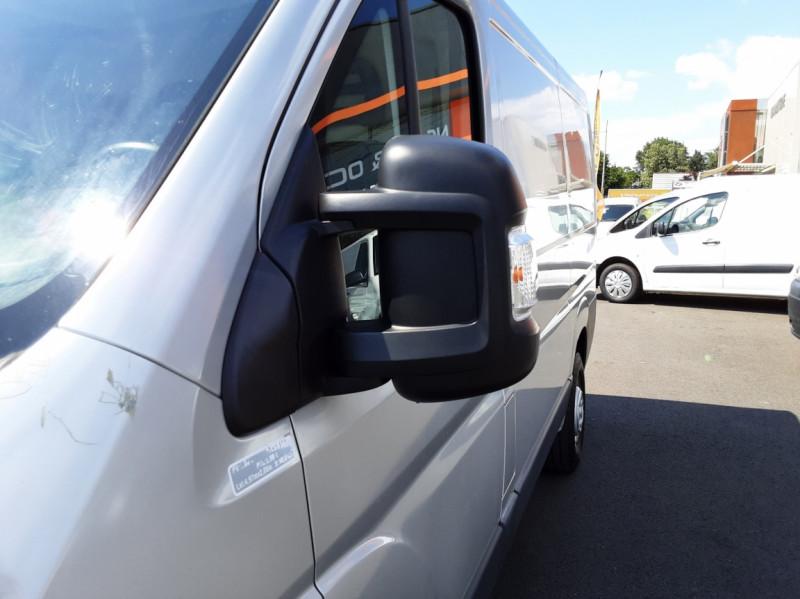 Photo 43 de l'offre de CITROEN JUMPER L1H1 BLUEHDi 130 BVM6 BUSINESS à 17500€ chez Centrale auto marché Périgueux