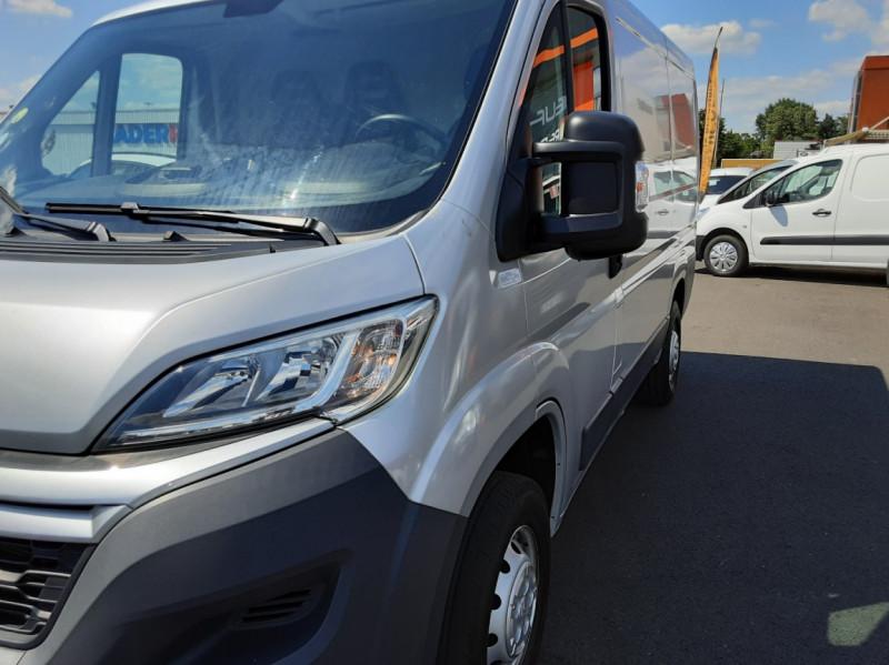 Photo 37 de l'offre de CITROEN JUMPER L1H1 BLUEHDi 130 BVM6 BUSINESS à 17500€ chez Centrale auto marché Périgueux