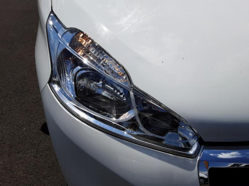 Photo 40 de l'offre de PEUGEOT 208 AFFAIRE 1.6 BLUEHDI 75 BVM5 PACK CLIM à 6700€ chez Centrale auto marché Périgueux
