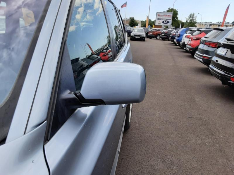 Photo 10 de l'offre de BMW X3 3.0d Luxe Steptronic A à 5200€ chez Centrale auto marché Périgueux