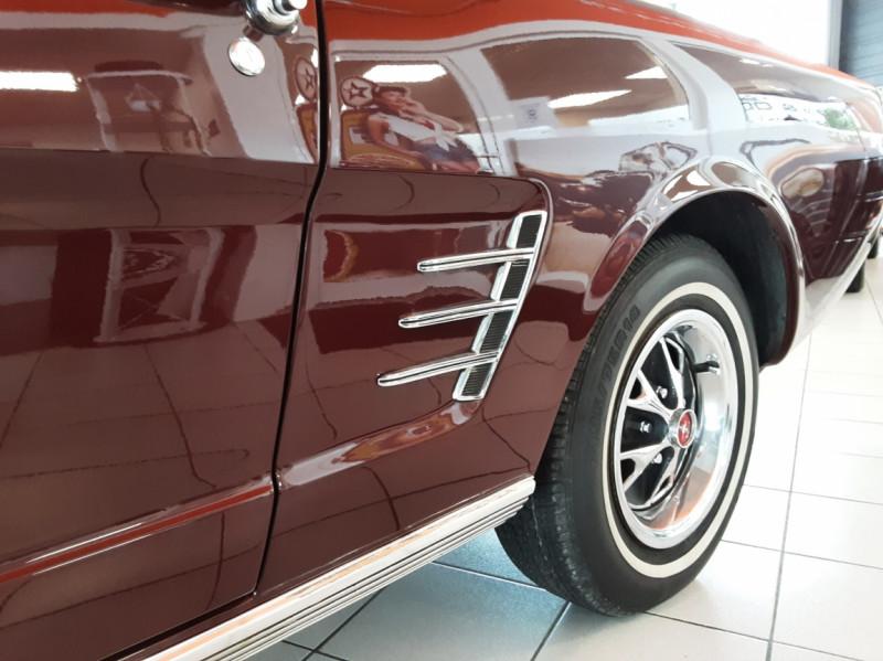 Photo 26 de l'offre de FORD MUSTANG CABRIOLET V8 289 CI à 45000€ chez Centrale auto marché Périgueux