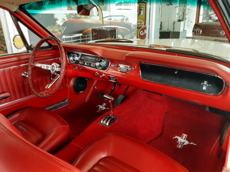 Photo 12 de l'offre de FORD MUSTANG FASTBACK V8 289 CI à 59900€ chez Centrale auto marché Périgueux