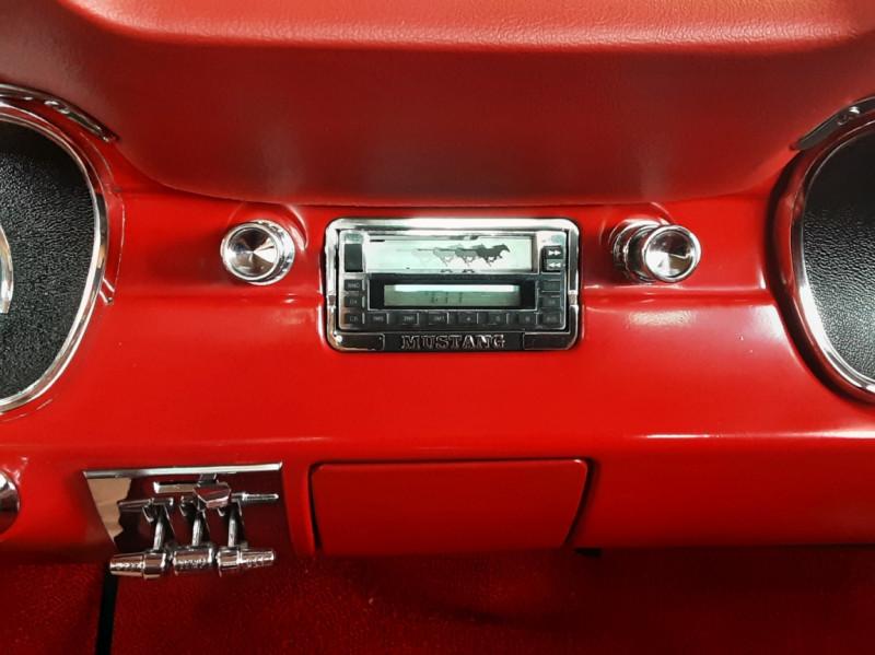 Photo 30 de l'offre de FORD MUSTANG FASTBACK V8 289 CI à 59900€ chez Centrale auto marché Périgueux
