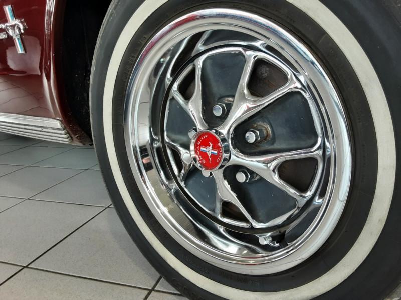 Photo 20 de l'offre de FORD MUSTANG CABRIOLET V8 289 CI à 45000€ chez Centrale auto marché Périgueux