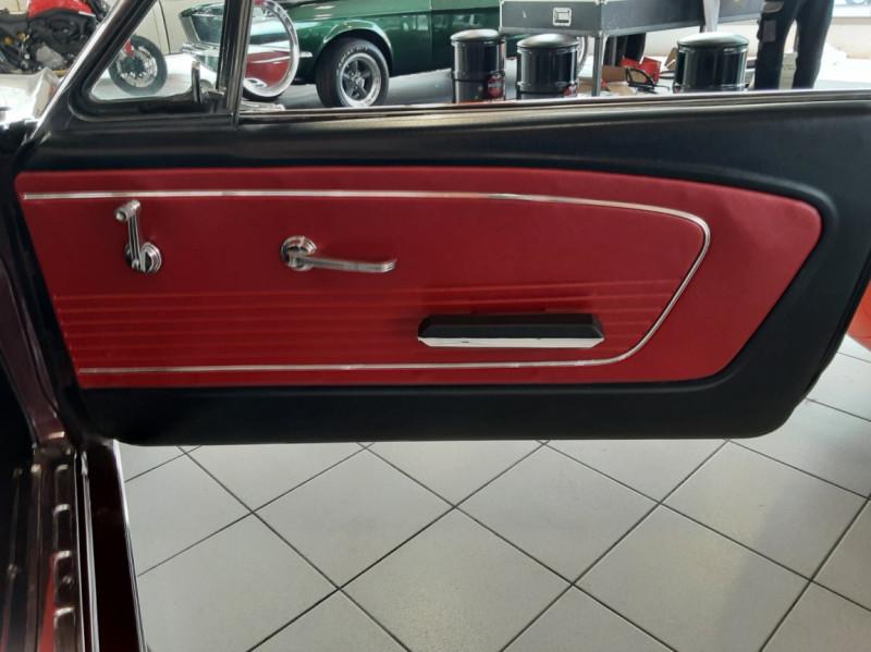 Photo 34 de l'offre de FORD MUSTANG CABRIOLET V8 289 CI à 45000€ chez Centrale auto marché Périgueux