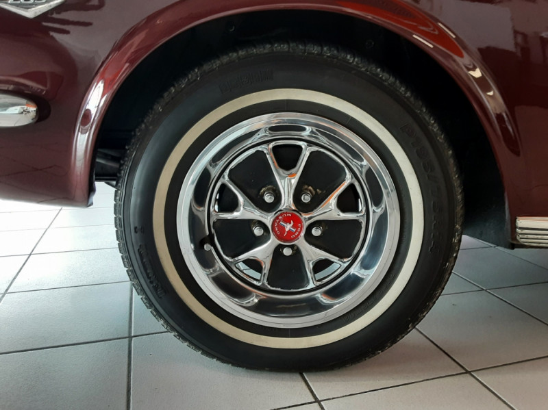 Photo 46 de l'offre de FORD MUSTANG CABRIOLET V8 289 CI à 45000€ chez Centrale auto marché Périgueux
