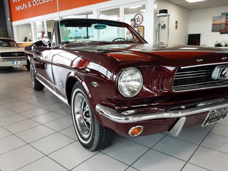 Photo 30 de l'offre de FORD MUSTANG CABRIOLET V8 289 CI à 45000€ chez Centrale auto marché Périgueux