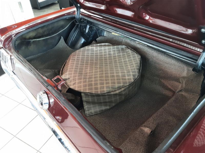Photo 18 de l'offre de FORD MUSTANG CABRIOLET V8 289 CI à 45000€ chez Centrale auto marché Périgueux