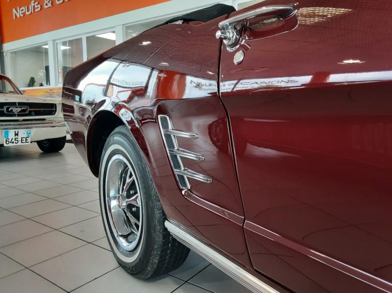 Photo 22 de l'offre de FORD MUSTANG CABRIOLET V8 289 CI à 45000€ chez Centrale auto marché Périgueux