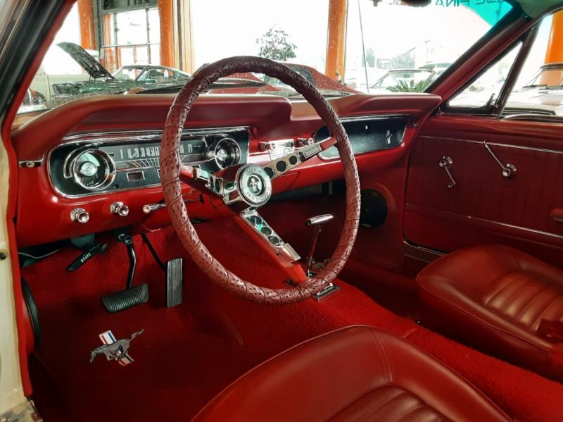 Photo 8 de l'offre de FORD MUSTANG FASTBACK V8 289 CI à 59900€ chez Centrale auto marché Périgueux