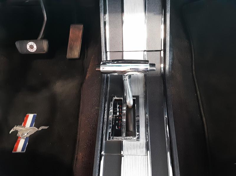 Photo 31 de l'offre de FORD MUSTANG CABRIOLET V8 289 CI à 45000€ chez Centrale auto marché Périgueux