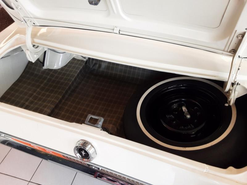 Photo 16 de l'offre de FORD MUSTANG FASTBACK V8 289 CI à 59900€ chez Centrale auto marché Périgueux