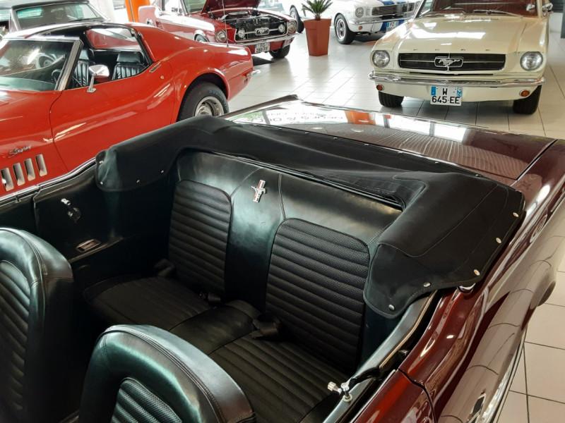 Photo 16 de l'offre de FORD MUSTANG CABRIOLET V8 289 CI à 45000€ chez Centrale auto marché Périgueux
