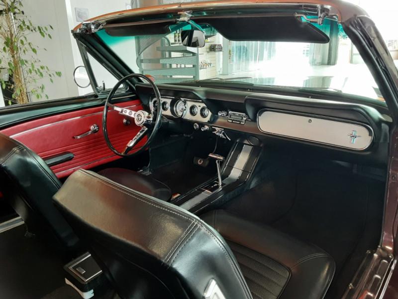 Photo 14 de l'offre de FORD MUSTANG CABRIOLET V8 289 CI à 45000€ chez Centrale auto marché Périgueux