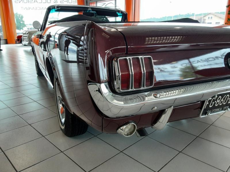 Photo 43 de l'offre de FORD MUSTANG CABRIOLET V8 289 CI à 45000€ chez Centrale auto marché Périgueux