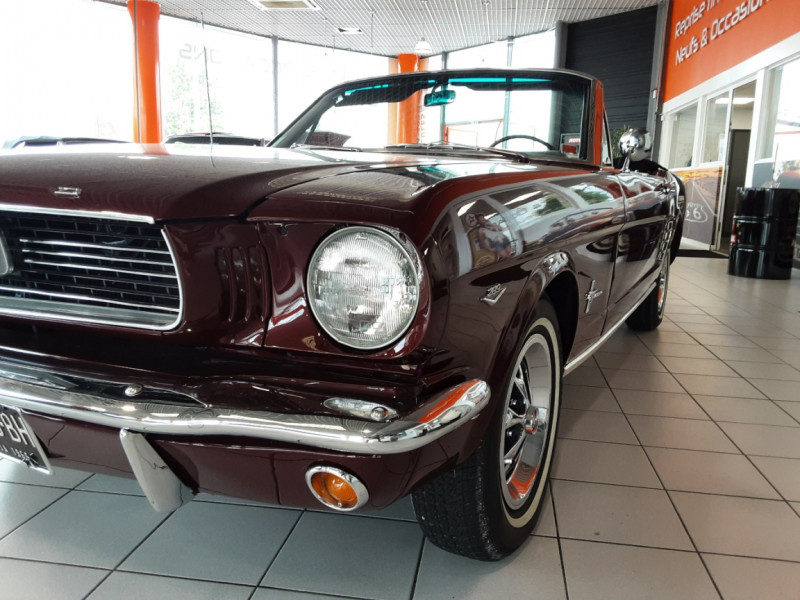 Photo 29 de l'offre de FORD MUSTANG CABRIOLET V8 289 CI à 45000€ chez Centrale auto marché Périgueux