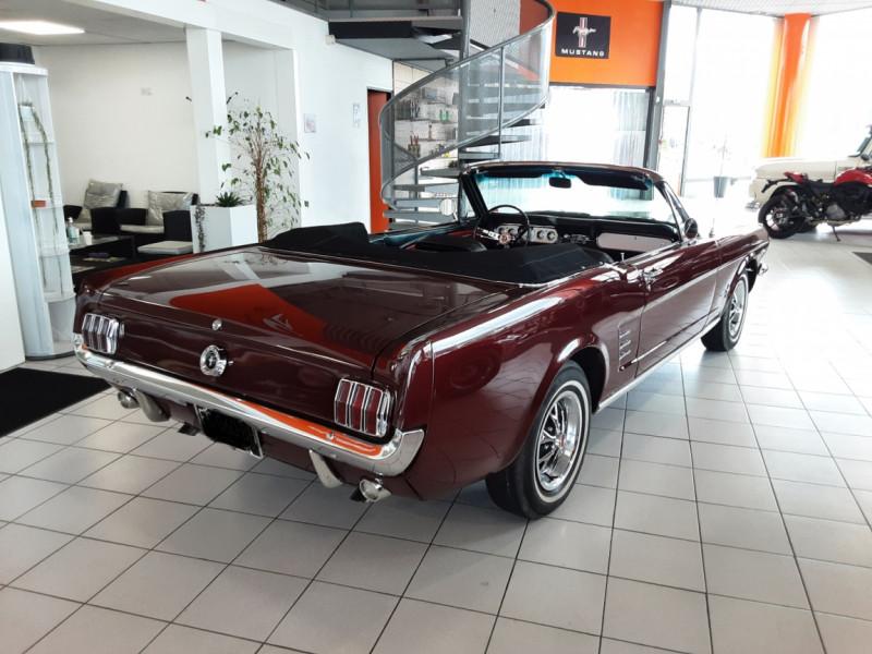 Photo 2 de l'offre de FORD MUSTANG CABRIOLET V8 289 CI à 45000€ chez Centrale auto marché Périgueux