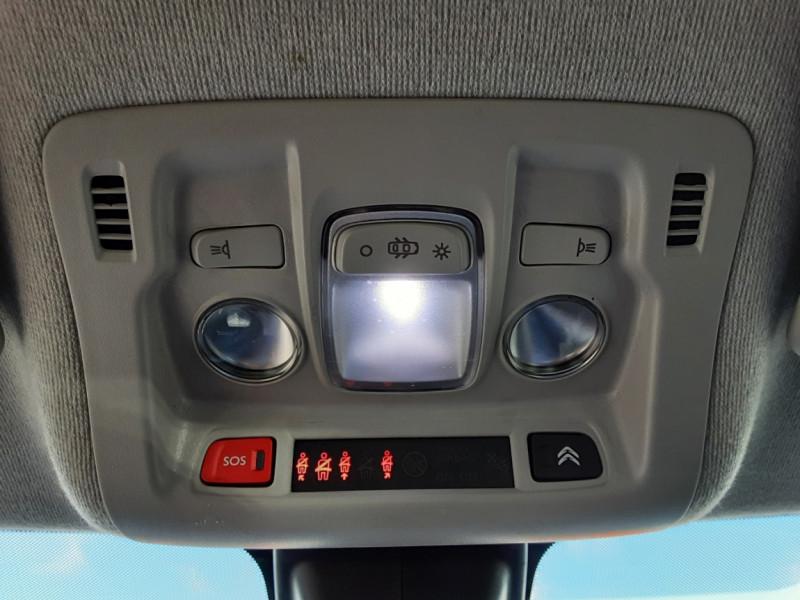 Photo 35 de l'offre de CITROEN C3 BlueHDi 100 SetS Shine Business à 13900€ chez Centrale auto marché Périgueux
