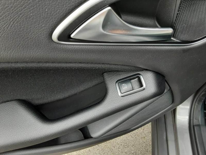 Photo 29 de l'offre de MERCEDES-BENZ CLASSE GLA 200 7-G DCT Intuition à 24490€ chez Centrale auto marché Périgueux