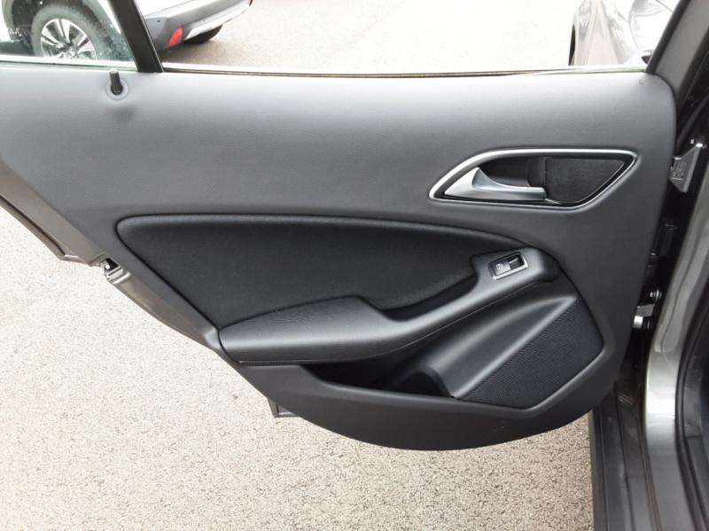 Photo 28 de l'offre de MERCEDES-BENZ CLASSE GLA 200 7-G DCT Intuition à 24490€ chez Centrale auto marché Périgueux
