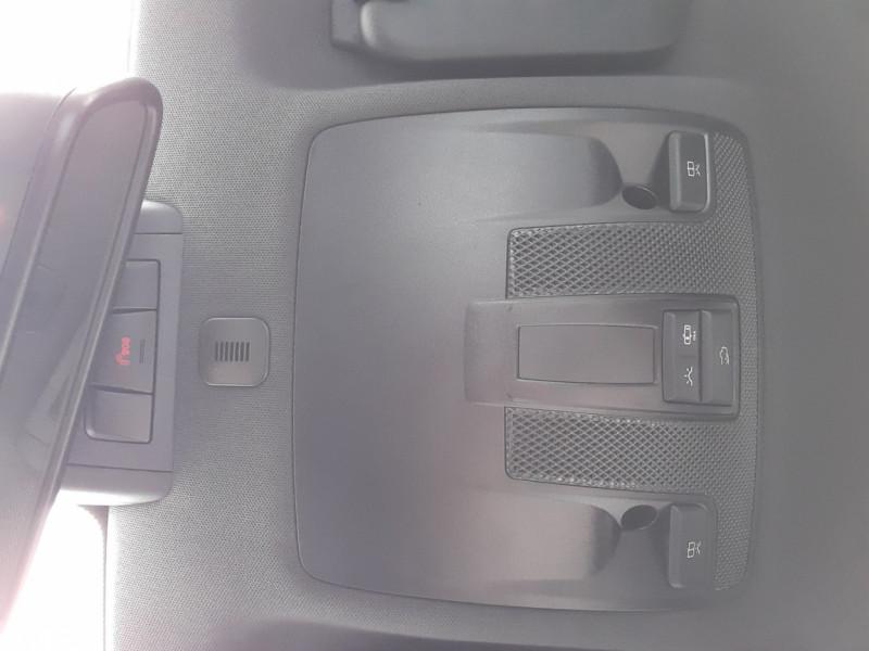 Photo 24 de l'offre de MERCEDES-BENZ CLASSE GLA 200 7-G DCT Intuition à 24490€ chez Centrale auto marché Périgueux