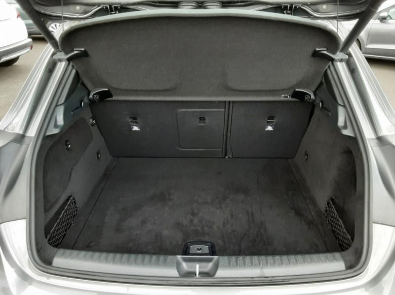 Photo 18 de l'offre de MERCEDES-BENZ CLASSE GLA 200 7-G DCT Intuition à 24490€ chez Centrale auto marché Périgueux