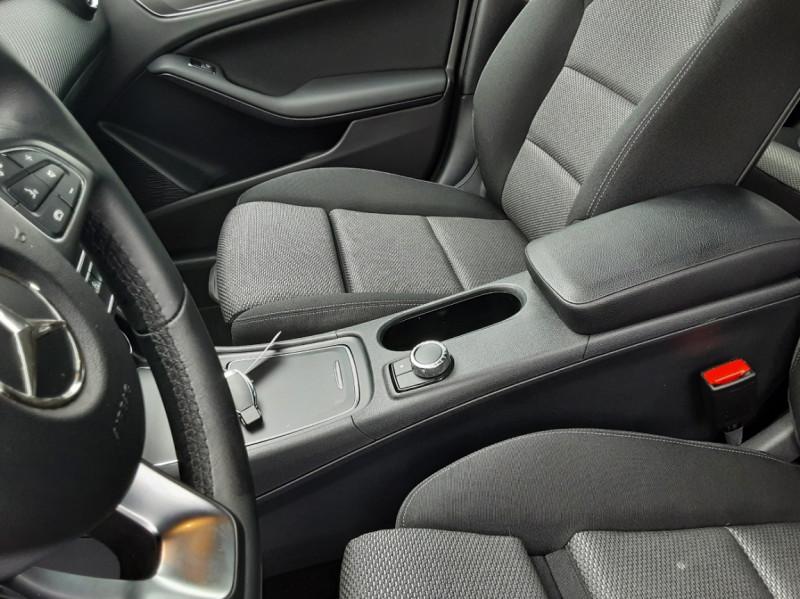 Photo 37 de l'offre de MERCEDES-BENZ CLASSE GLA 200 7-G DCT Intuition à 24490€ chez Centrale auto marché Périgueux
