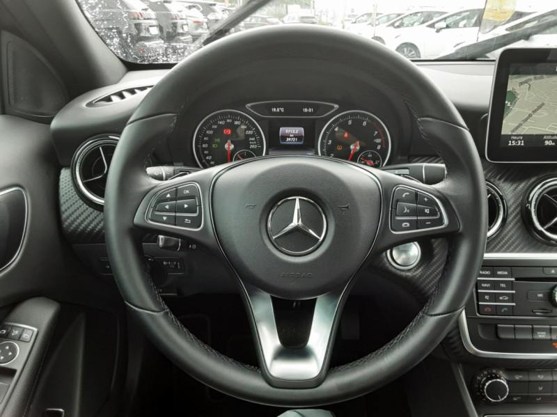 Photo 8 de l'offre de MERCEDES-BENZ CLASSE GLA 200 7-G DCT Intuition à 24490€ chez Centrale auto marché Périgueux