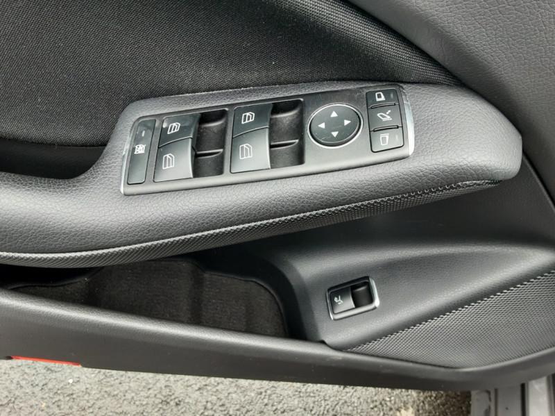 Photo 49 de l'offre de MERCEDES-BENZ CLASSE GLA 200 7-G DCT Intuition à 24490€ chez Centrale auto marché Périgueux