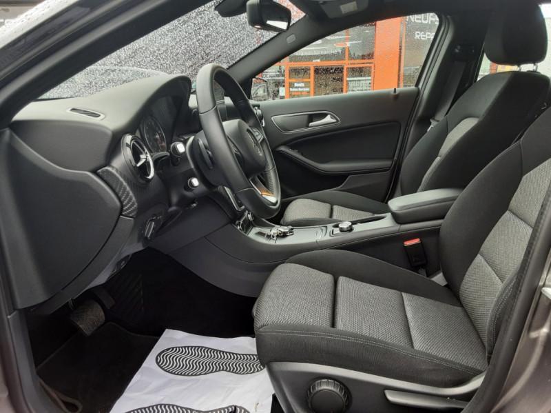 Photo 13 de l'offre de MERCEDES-BENZ CLASSE GLA 200 7-G DCT Intuition à 24490€ chez Centrale auto marché Périgueux