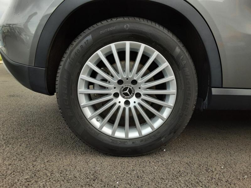 Photo 39 de l'offre de MERCEDES-BENZ CLASSE GLA 200 7-G DCT Intuition à 24490€ chez Centrale auto marché Périgueux