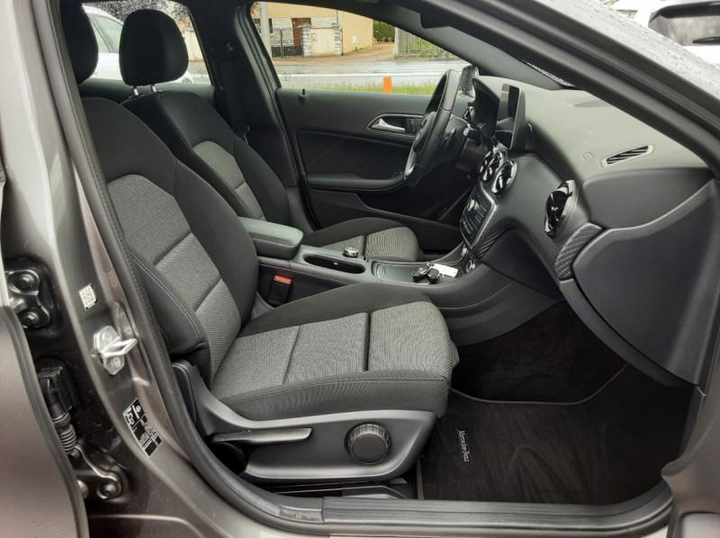 Photo 14 de l'offre de MERCEDES-BENZ CLASSE GLA 200 7-G DCT Intuition à 24490€ chez Centrale auto marché Périgueux
