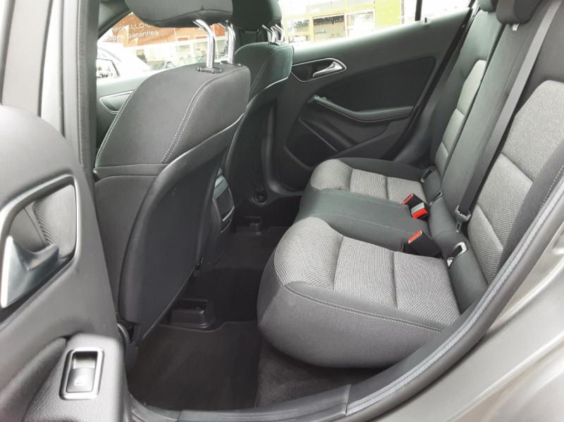 Photo 27 de l'offre de MERCEDES-BENZ CLASSE GLA 200 7-G DCT Intuition à 24490€ chez Centrale auto marché Périgueux