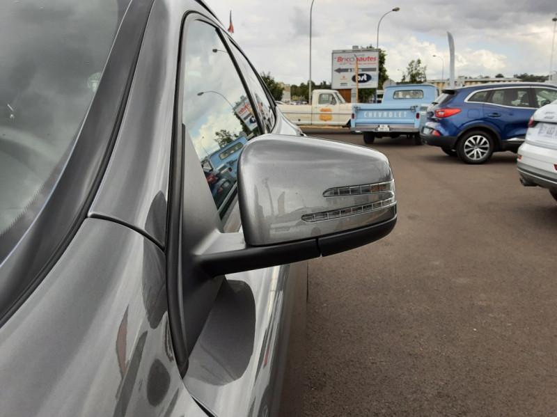 Photo 23 de l'offre de MERCEDES-BENZ CLASSE GLA 200 7-G DCT Intuition à 24490€ chez Centrale auto marché Périgueux