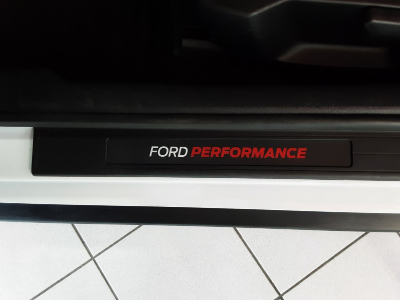 Photo 39 de l'offre de FORD MUSTANG SHELBY GT350 V8 5.2L à 84500€ chez Centrale auto marché Périgueux