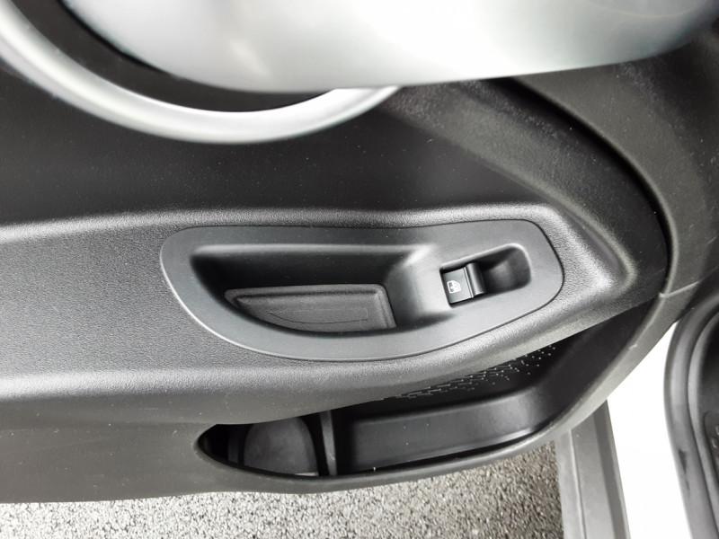 Photo 49 de l'offre de FIAT 500X 1.6 MultiJet 120 ch Popstar Business DCT à 16900€ chez Centrale auto marché Périgueux