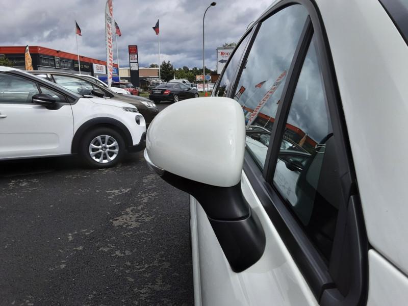 Photo 16 de l'offre de FIAT 500X 1.6 MultiJet 120 ch Popstar Business DCT à 16900€ chez Centrale auto marché Périgueux