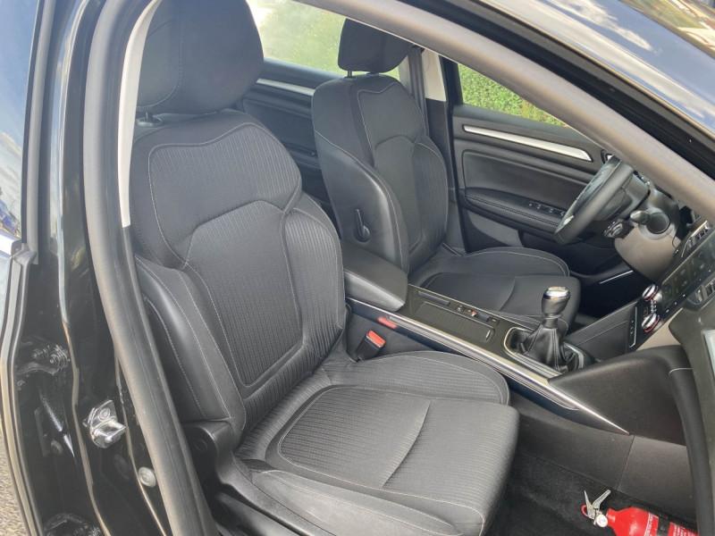 Photo 7 de l'offre de RENAULT MEGANE IV ESTATE Blue dCi 115 Business à 16700€ chez Centrale auto marché Périgueux