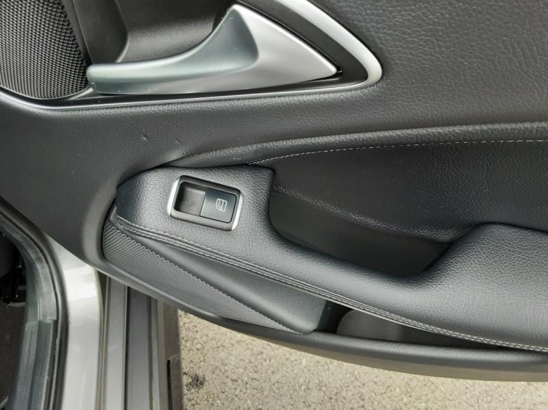 Photo 39 de l'offre de MERCEDES-BENZ CLASSE GLA 200 d Fascination 7-G DCT A à 26500€ chez Centrale auto marché Périgueux