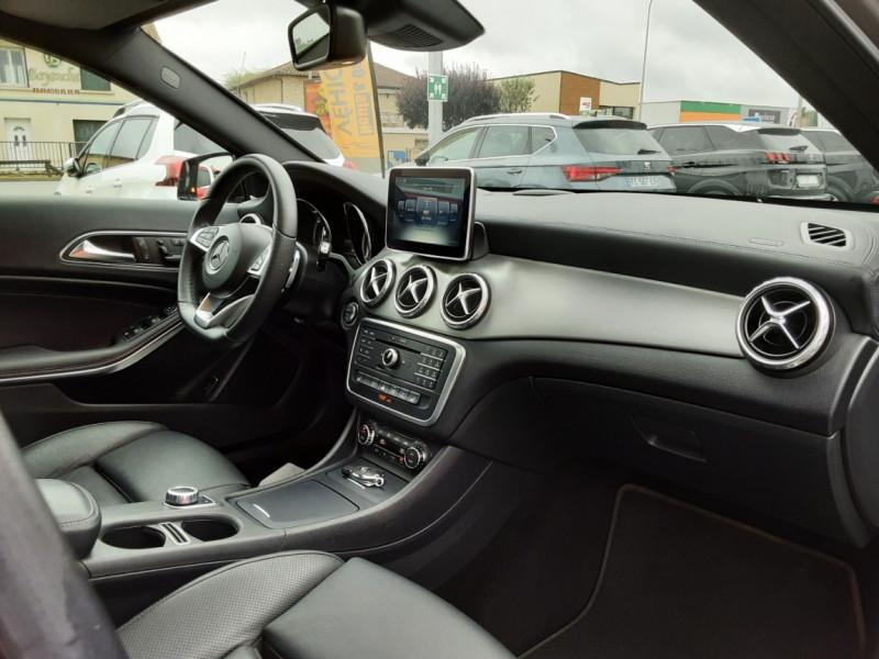 Photo 12 de l'offre de MERCEDES-BENZ CLASSE GLA 200 d Fascination 7-G DCT A à 26500€ chez Centrale auto marché Périgueux