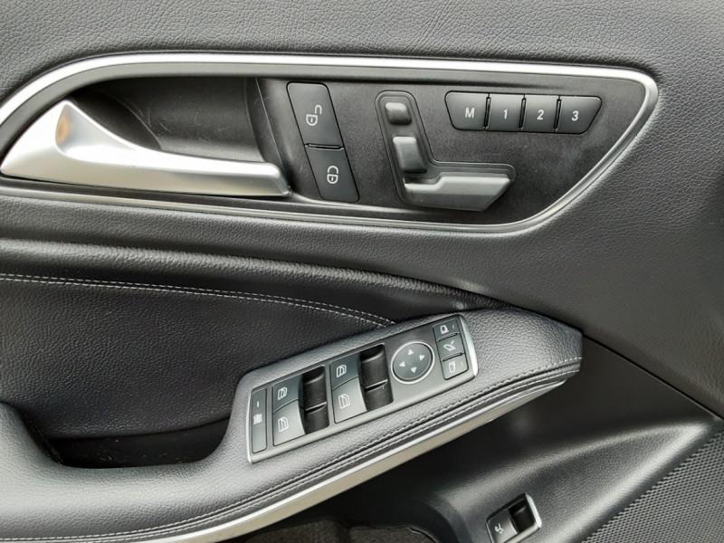 Photo 21 de l'offre de MERCEDES-BENZ CLASSE GLA 200 d Fascination 7-G DCT A à 26500€ chez Centrale auto marché Périgueux