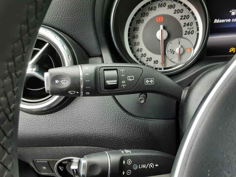 Photo 24 de l'offre de MERCEDES-BENZ CLASSE GLA 200 d Fascination 7-G DCT A à 26500€ chez Centrale auto marché Périgueux
