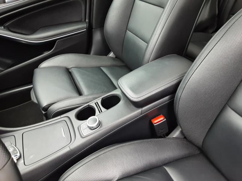 Photo 28 de l'offre de MERCEDES-BENZ CLASSE GLA 200 d Fascination 7-G DCT A à 26500€ chez Centrale auto marché Périgueux