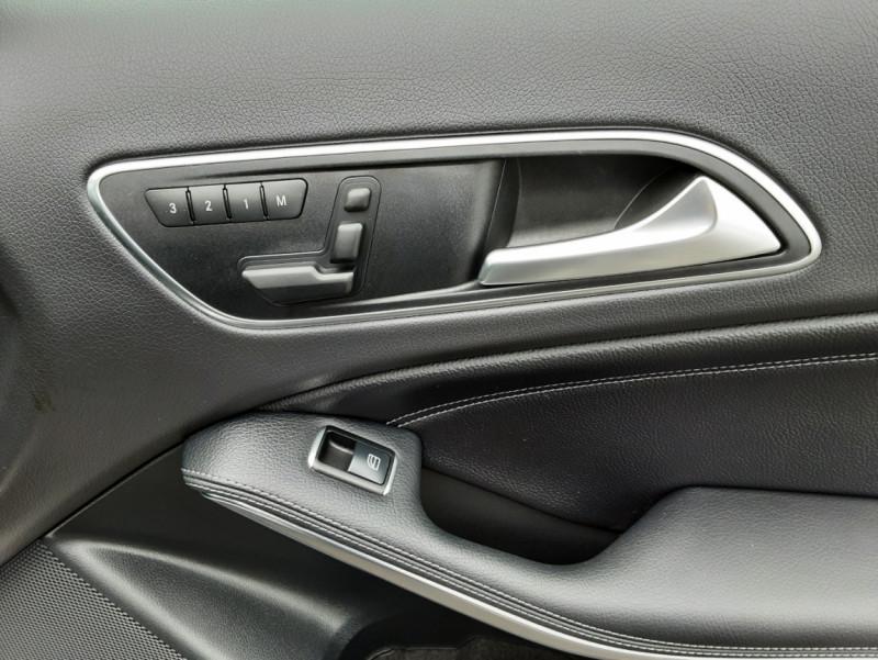 Photo 41 de l'offre de MERCEDES-BENZ CLASSE GLA 200 d Fascination 7-G DCT A à 26500€ chez Centrale auto marché Périgueux