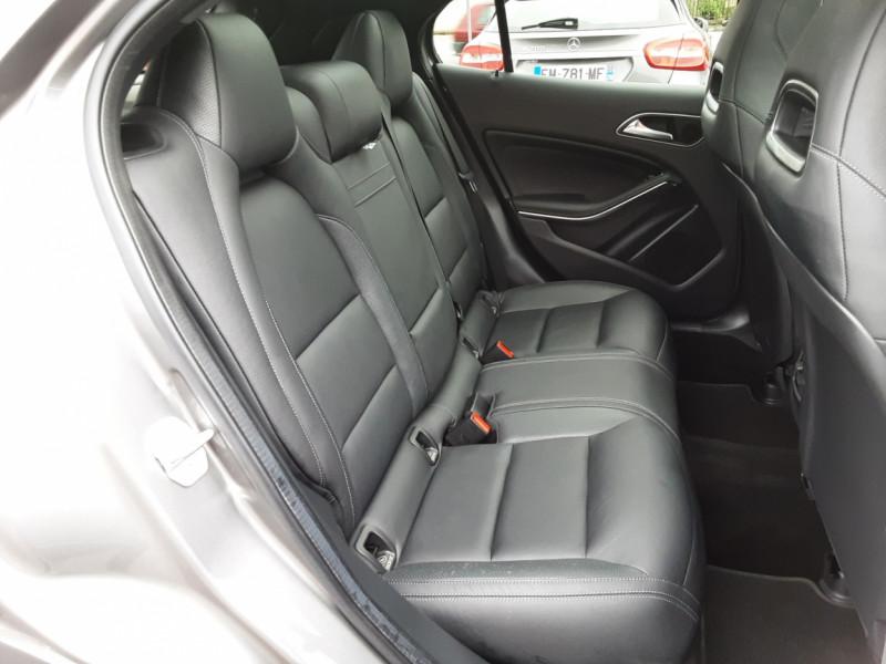 Photo 27 de l'offre de MERCEDES-BENZ CLASSE GLA 200 d Fascination 7-G DCT A à 26500€ chez Centrale auto marché Périgueux