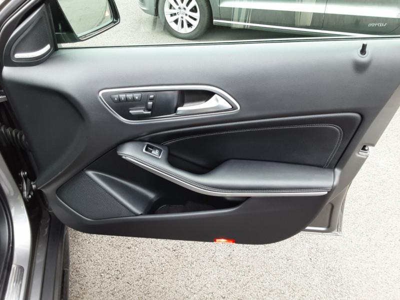 Photo 43 de l'offre de MERCEDES-BENZ CLASSE GLA 200 d Fascination 7-G DCT A à 26500€ chez Centrale auto marché Périgueux