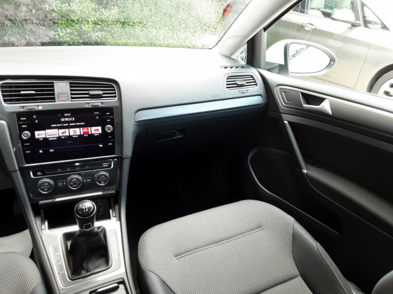 Photo 19 de l'offre de VOLKSWAGEN GOLF 7  TDI 115 BMT FAP Confortline Business à 17800€ chez Centrale auto marché Périgueux